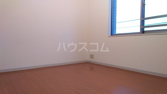 ラナイクラシコ 302号室の居室