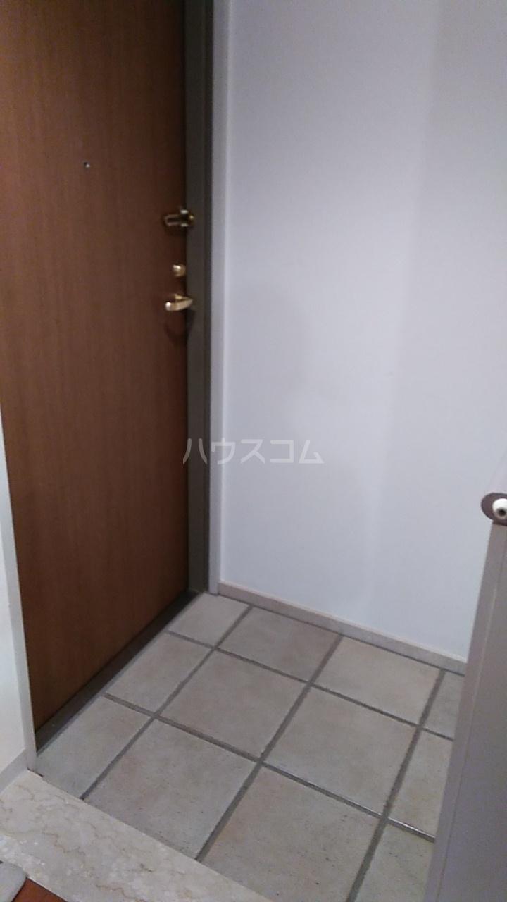 ラナイクラシコ 302号室の玄関
