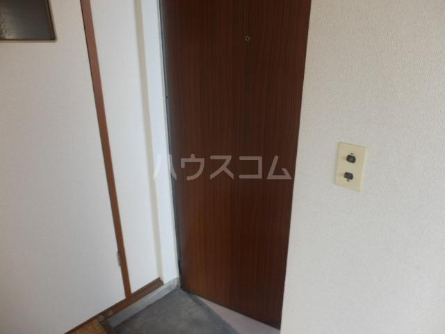 東荘 306号室の玄関