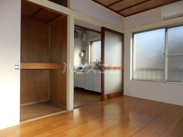 東荘 306号室の居室