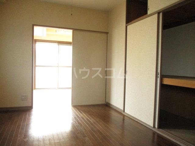 エムハイツ桜木 101号室のリビング