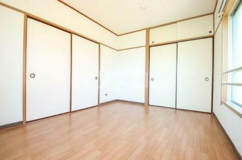 エランドール 301号室のベッドルーム