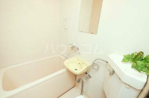 エランドール 301号室の風呂