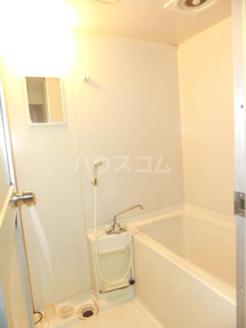 メゾンド徳川苑 301号室のエントランス