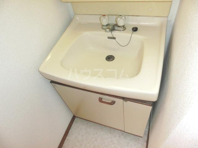 メゾンド徳川苑 301号室の洗面所