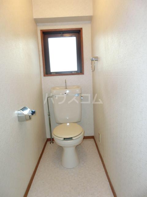 メゾンド徳川苑 301号室のトイレ