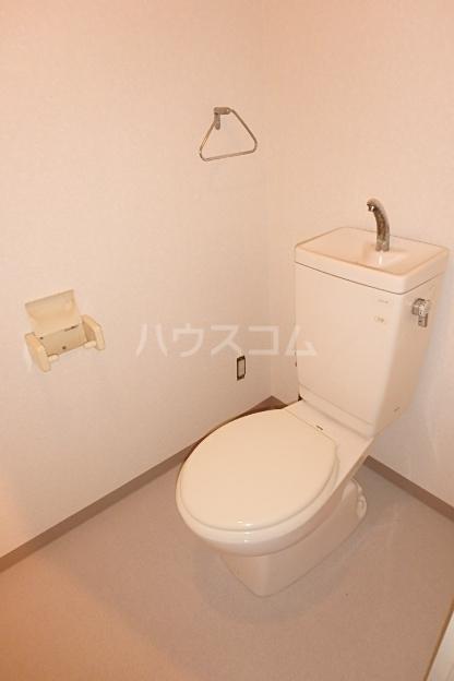ロジェ・エスト 201号室のトイレ