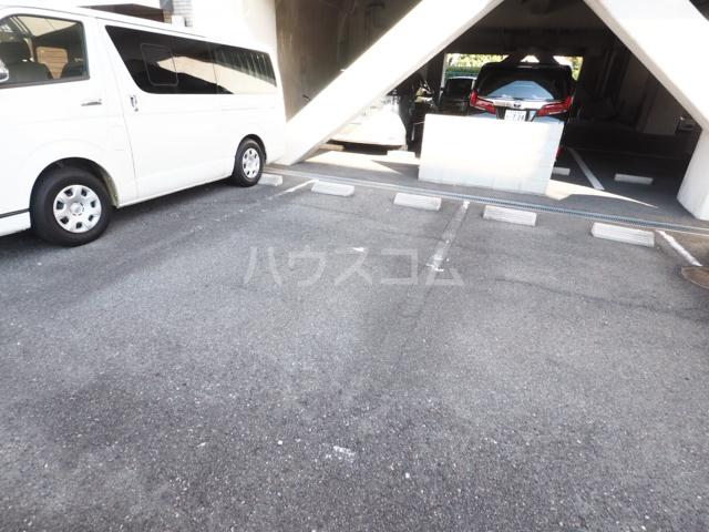 セキスイハイム徳川レジデンス 1206号室の駐車場