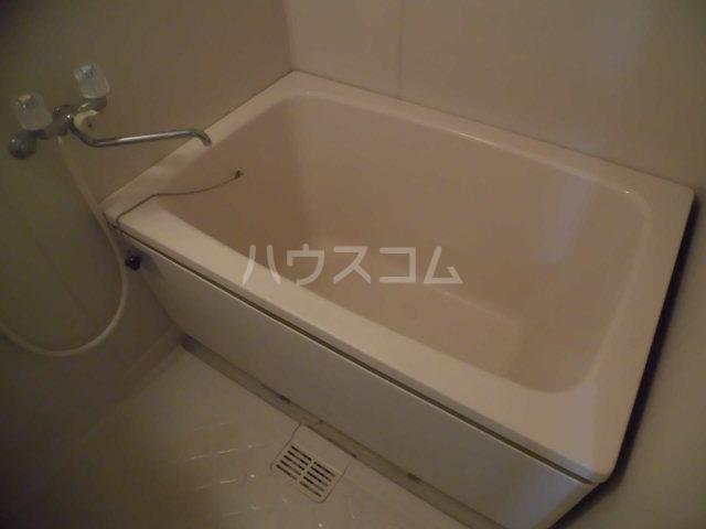 ベルゾーネ調布 101号室の風呂