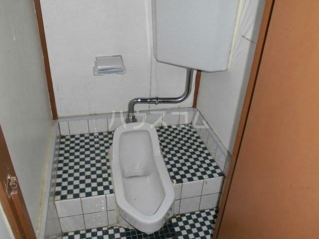 若葉荘 103号室のトイレ