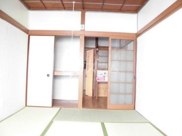 若葉荘 103号室の居室