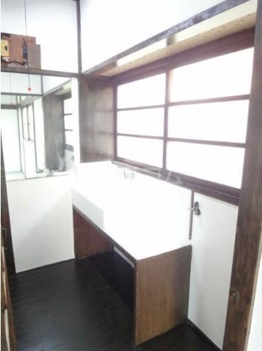 若葉荘 105号室のキッチン