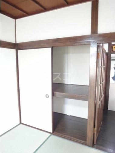 若葉荘 105号室の収納