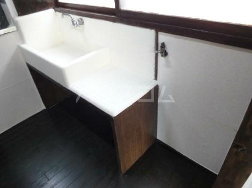 若葉荘 105号室の洗面所