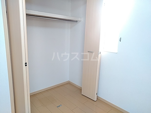 East Sakado 02040号室の収納