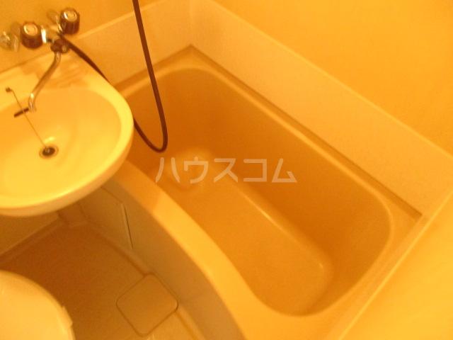 ラダトーム 101号室の風呂