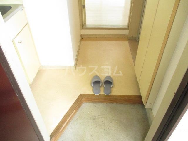 ラダトーム 101号室の玄関
