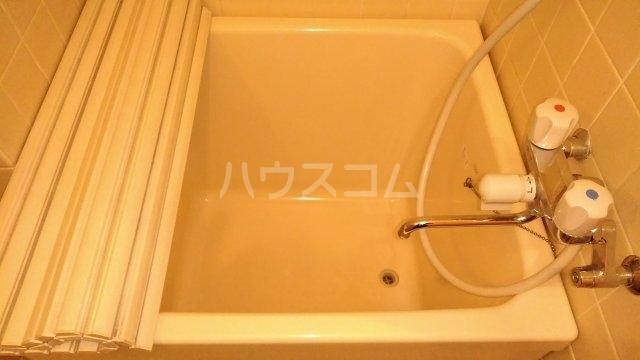 GSプラザ鶴見駅前 601号室の風呂