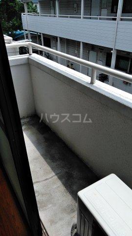 アシカワコーポB号棟 201号室のバルコニー