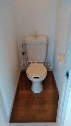 アシカワコーポB号棟 201号室のトイレ