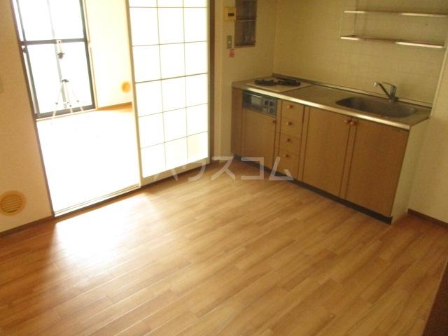 アーバンペア Ⅱ 2-302号室のキッチン