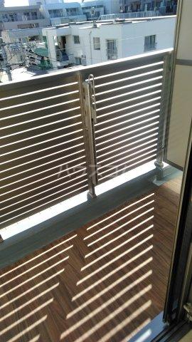ラフィスタ調布多摩川 404号室のバルコニー
