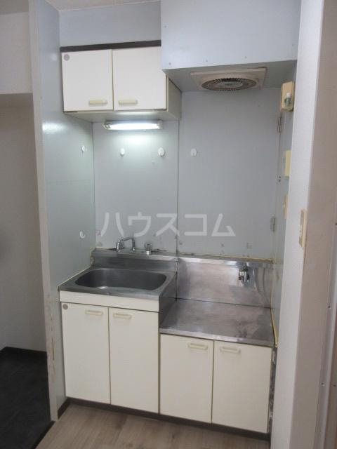 アーバンポイント千種 3F号室のキッチン