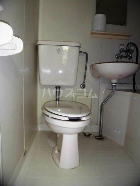 グレイス観月 103号室のトイレ