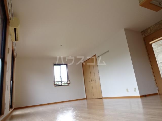 フレンドハウス23 B301号室のリビング
