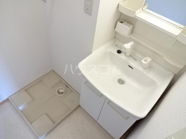 フレンドハウス23 B301号室の洗面所