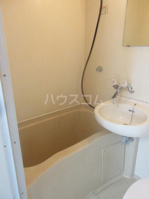 アーバンポイント千種 4D号室の風呂