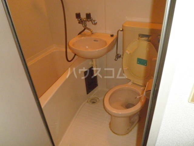 コア菊坂 401号室のトイレ