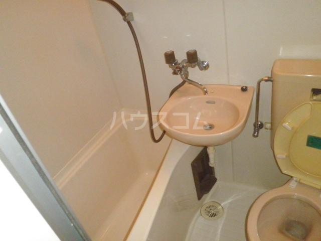 コア菊坂 401号室の洗面所