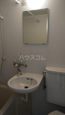 レジデンスカープ新小岩 200号室の洗面所