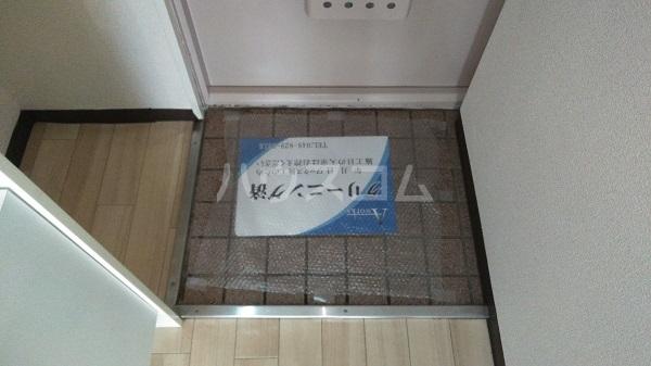 レジデンスカープ新小岩 200号室の玄関