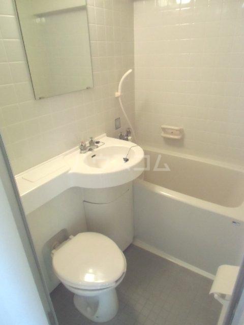 ラポール南浦和 208号室の風呂