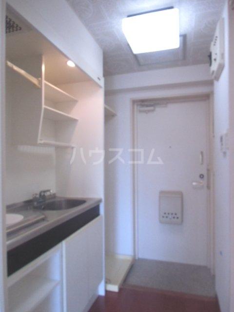 ラポール南浦和 208号室の玄関