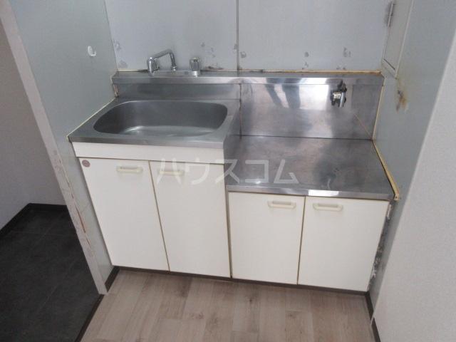 アーバンポイント千種 2F号室のキッチン