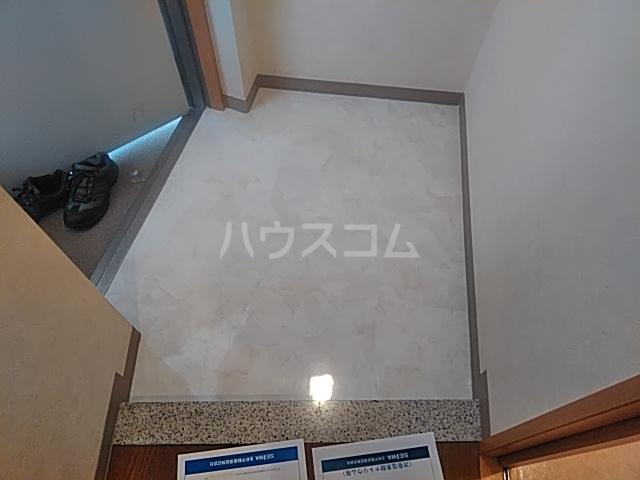 フェイム イッサ 403号室の玄関