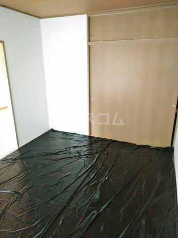 ビーライン差間B号棟 202号室の居室