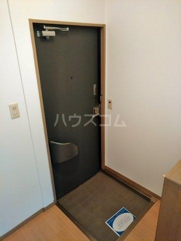 ビーライン差間B号棟 202号室の玄関