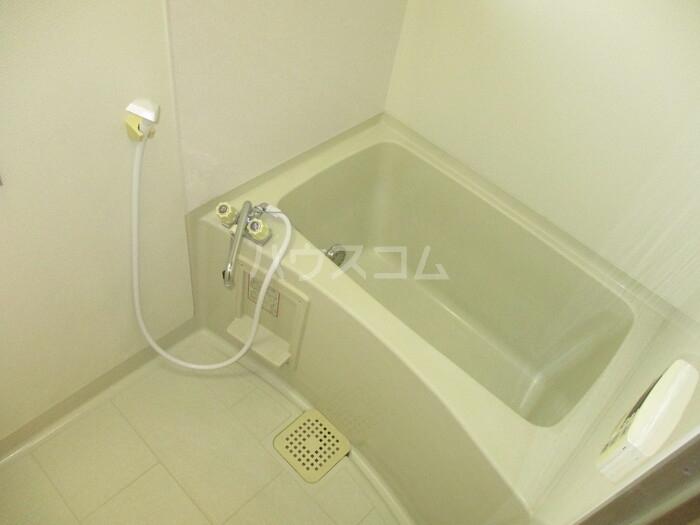 ドゥリームアイ・エス 303号室の風呂