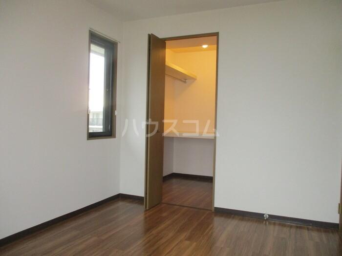 ドゥリームアイ・エス 303号室の洗面所