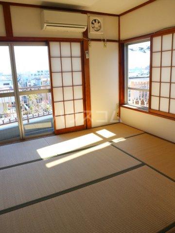 松川マンション 401号室のベッドルーム