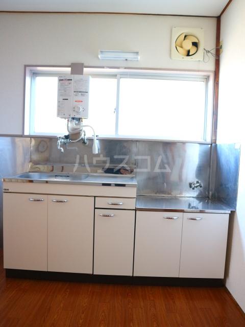 松川マンション 401号室のキッチン