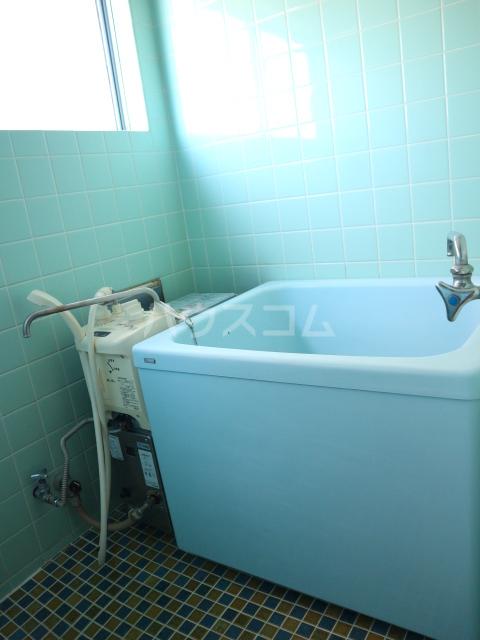 松川マンション 401号室の風呂