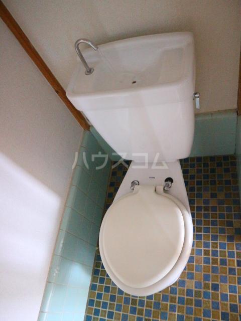 松川マンション 401号室のトイレ