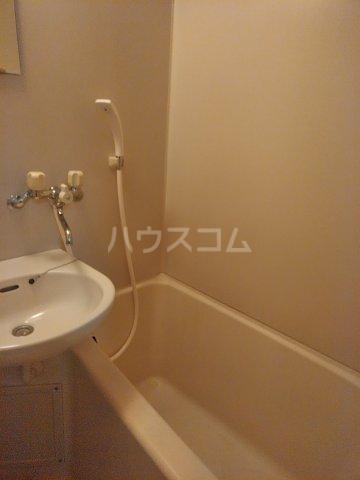 ベルシャトウ西堀Ⅱ 203号室の風呂