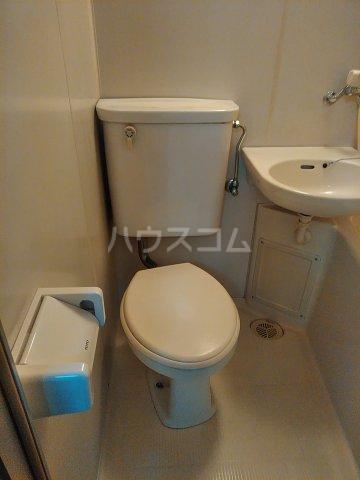 ベルシャトウ西堀Ⅱ 203号室のトイレ