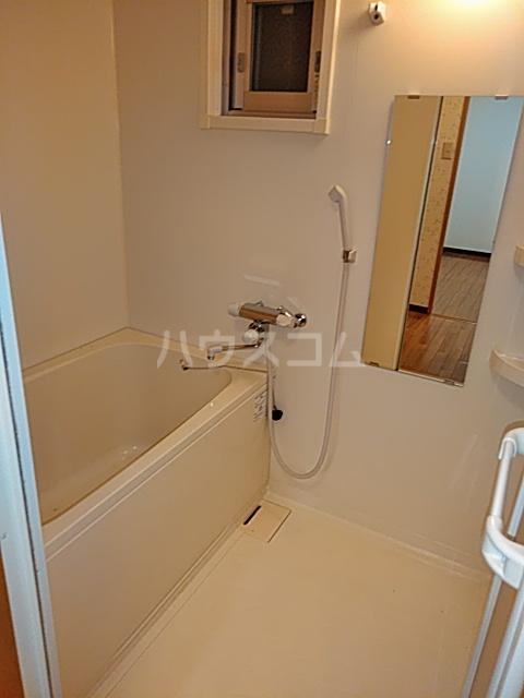 ツインクルコート桂EAST 203号室の洗面所